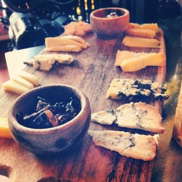 cheesetique cheese sampler